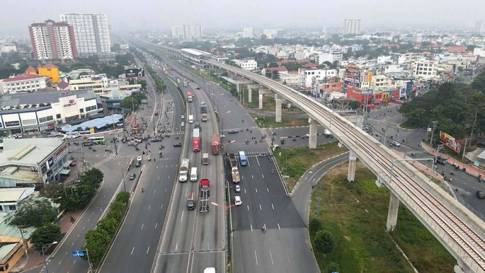 Chục tỉ USD bứt tốc giao thông: 'Ăn theo' hạ tầng không phải chắc thắng