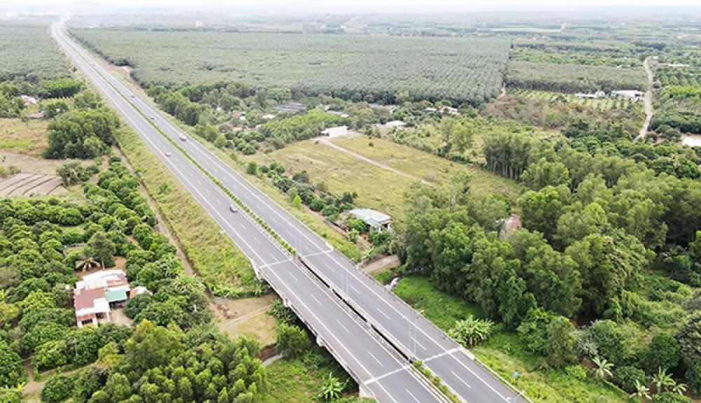 Tập trung phát triển hạ tầng giao thông, khơi dậy tiềm năng vùng Đông Nam bộ